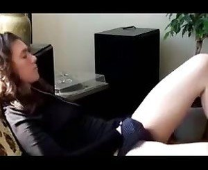 Jewish girl masturbating untill she has an orgasm