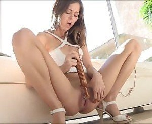 Riley Reid masturbating