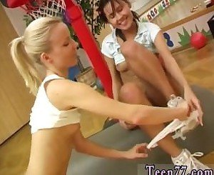 Porn girl teen facial Cindy and Amber pounding each other in the gym