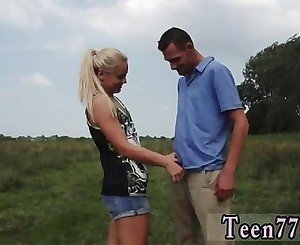 Teenage male slut Vanda picked up and