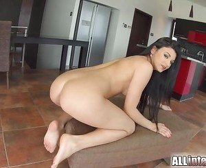 Allinternal sexy babe drips cum out