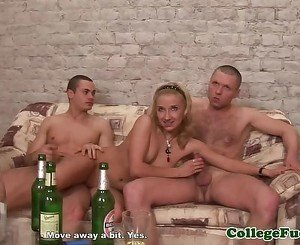 College euro cocksucking in dorm threesome
